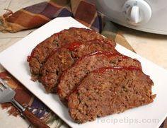 Slow Cooker Meat Loaf - Great tasting meat loaf that holds its shape. LOVE meatloaf!!