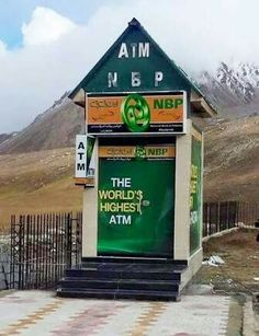 The National Bank of Pakistan has installed a cash machine at Khunjerab Pass at a height of making it the world's highest ATM. World Most Beautiful Place, Beautiful Places To Visit, Amazing Places, Hunza Valley, Pakistan Travel, Time News, Green Valley, Top Place, New Details