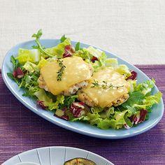Chicken-Cheeseburger auf Salat Rezept | Küchengötter