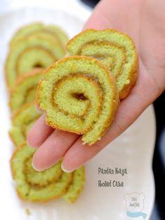 Pandan Kaya Rolled Cake