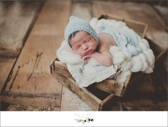 newborn workshop, newborns, Madison, Sun Prairie,  swaddled, bundled, blankets, Twig and Olive newborns, details, little hands, little feet, little ears, hair, bonnets, hair flowers, baskets, beautiful moms, proud dads, happy families, newborn sessions, family sessions, Dane county area photography sessions, TOP