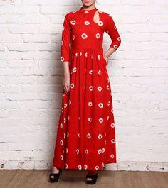 Hand tie-dyed cotton maxi dress Indian Bandhani by WorldOfHachi Ethnic Dress, Boho Dress, Kurta Designs, Blouse Designs, Indian Dresses, Indian Outfits, Bandhani Dress, Batik, Tie Dye Dress