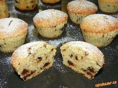 Stracciatellové muffiny ze zakysané smetany nádherně nadýchané Pavlova, Food And Drink, Cupcakes, Breakfast, Morning Coffee, Cupcake Cakes, Cup Cakes, Muffin, Cupcake