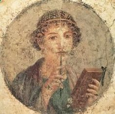 Sulpicia II Vivió durante el reinado de Domiciano (finales del siglo I). Fue alabada por Marcial, que la compara con Safo. Escribió un volumen de poemas, describiendo con considerable libertad de lenguaje los métodos empleados para retener el afecto de su esposo Calenus. Se conoce también un poema en forma de diálogo entre la poeta y la musa Calíope, se exiliaba de Roma a los filósofos, visto como una posibilidad de que Roma caiga en un estado de barbarie.