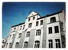 #SIEMIANOWICE ŚLĄSKIE, ul. Świerczewskiego 25 #townhouse #kamienice #slkamienice #silesia #śląsk #properties #investing #nieruchomości #mieszkania #flat #sprzedaz #wynajem Multi Story Building