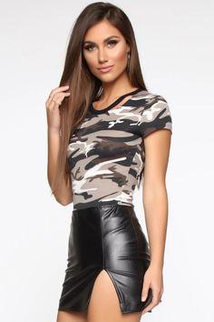Maroon Prom Dress, Maroon Bridesmaid Dresses, Camo Fashion, Fashion Outfits, Women's Fashion, Beach Dresses, Casual Dresses, Prom Dresses, Plus Size Clothing Uk