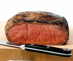 Dieses klassische Roastbeef wird mit der Niedergar-Methode zubereitet. Zum Niedergaren eignet sich die Ofen-Garplatte ideal. Four, Steak, Nature, Roast Beef, Bass, Classic, Dish, Roast Beef Recipes, Cooking