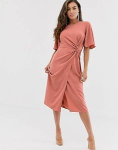 Buy ASOS DESIGN twist front midi dress with angel sleeve in terracotta at ASOS. With free delivery and return options (Ts&Cs apply), online shopping has never been so easy. Get the latest trends with ASOS now. Embellished Crop Top, Robes Midi, Angel Sleeve, Asos Curve, Lace Midi Dress, Mi Long, Latest Dress, Womens Fashion For Work, Moda Online