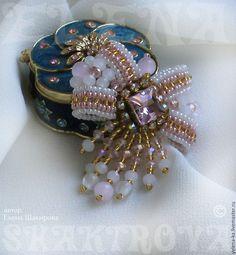Купить Брошь-бантик - розовый, гламур, тренд, орден, брошь ручной работы, брошь-орден
