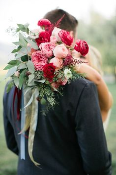 Sweet Autumn wedding inspiration | Photo by Callie Hobbs Photography | Read more - www.100layercake....