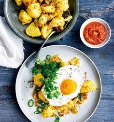 Unser beliebtes Rezept für Indische Bratkartoffeln mit Spiegelei und Paprikarelish und mehr als 55.000 weitere kostenlose Rezepte auf LECKER.de.