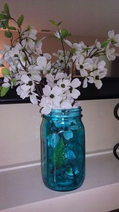 How to paint mason jars! Love this idea for matching them to my kitchen colors! Or gifts!