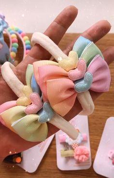 Diy Bow, Diy Hair Bows, Baby Tie, Girl Hairstyles, Make Hair Bows, Cute Cheer Bows, Silk Stockings, Boutique Hair Bows, Hair Decorations