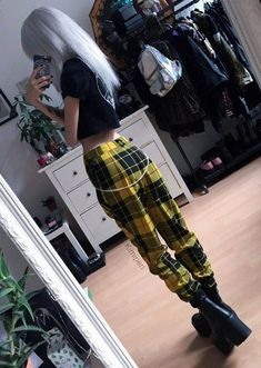 Cool Ways to Wear Plaid Pants Printed black crop top with tartan yellow pants & platform boots outfit by kimiperi.Printed black crop top with tartan yellow pants & platform boots outfit by kimiperi. Edgy Outfits, Mode Outfits, Grunge Outfits, Fashion Outfits, Grunge Boots, Fashion Boots, Black Outfit Grunge, Grunge Clothes, Bad Girl Outfits