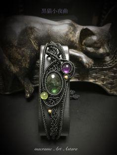 k様オーダー作品グリーントルマリンによる「黒猫小夜曲」ブレスレット