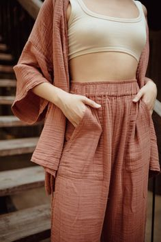 Petite Fashion Tips High waisted 'Karde' Loungewear Pant OddBird.Petite Fashion Tips High waisted 'Karde' Loungewear Pant OddBird Lounge Outfit, Lounge Wear, Lounge Pants, Summer Outfits, Cute Outfits, Loungewear Set, What To Wear, Ideias Fashion, Style Inspiration