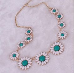 2016 Sweet Necklaces For Women Fresh Daisy Statement Necklaces Alloy Pearl Resin Rhinestone Choker Necklaces Choker Collar Necklaces For Women From Janet521, $3.9 | Dhgate.Com