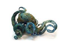 Intricate Fantasy Animal Sculptures by Ellen Jewett Art Sculpture, Animal Sculptures, Clay Sculptures, Ellen Jewett, Flora Und Fauna, Octopus Art, Octopus Tentacles, Octopus Squid, Fantasy Kunst