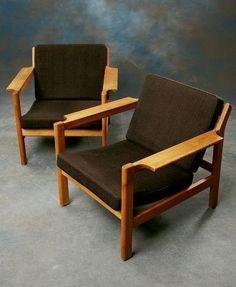Börge Mogensen; #227 Oak Armchairs for Fredericia, 1960 .