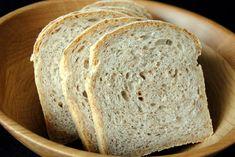 Bondebrød passer til alt: matpakke, salat, pasta etc. Brødet er fint å fryse, i likhet med alle andre mine brød. Oppskriften er superenke... Rye, Bread, Baking, Farmers, Food, Brot, Bakken, Essen, Meals