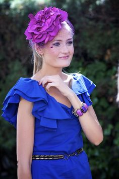 Tocados para vestido azul klein