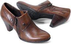 Born Womens Tanya in Marrone on bornshoes.com