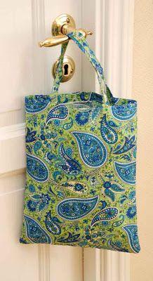 Pludrehanne: Mor syr Shoulder Bag, Tote Bag, Diy, Bags, Fashion, Handbags, Moda, Bricolage, Fashion Styles