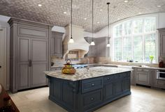 Family owned and American made, Cambria natural quartz countertops and surfaces combine innovative design and durability for a lifetime of beauty. Beautiful Kitchens, Cambria Countertops, Kitchen Remodel, Kitchen Countertops, Home Decor, New Kitchen, Trending Decor, Modern Farmhouse Kitchens, Kitchen Design