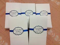 Envelope personalizado com lenço macio para as lágrimas de alegria de seus convidados.
