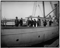 Pilots going out on steam pilot boat New York, [between 1900 and 1905]