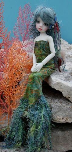 Izzy by Kaye Wiggs - one of myfavorite dolls.
