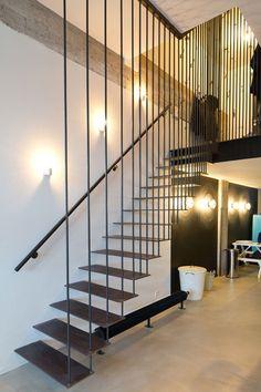 Industriële zwarte stalen trap | Interieur inrichting