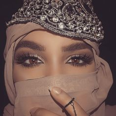 🌟 Beware of me when I don't forgive and ; because then your error has burned my good and destroyed my nerves 🌟 Tribal Fashion, Hijab Fashion, Women's Fashion, Arabian Makeup, Sultry Makeup, Hijab Makeup, Hijab Collection, Hair Cover, Lovely Eyes
