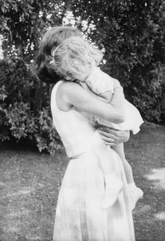 Jacqueline and Caroline, Hyannis Port MA July, 1960.