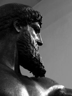 i paint create . Aesthetic Statue, Zeus Statue, Hawke Dragon Age, Objets Antiques, Greece Mythology, Roman Gods, Greek Gods And Goddesses, Night Aesthetic, Heroes Of Olympus