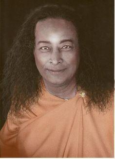 """""""Mais do que as suas inspirações passageiras ou ideias brilhantes, são os seus hábitos mentais cotidianos que controlam sua vida.""""  Paramahansa Yogananda  #now #nowmaste #namaste"""