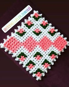 Baby Knitting Patterns, Crochet Patterns, Holiday Crochet, Crochet Flowers, Free Pattern, Diy And Crafts, Christmas Decorations, Blankets, Instagram