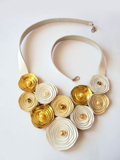 Etsy の Leather Bib Necklace Rose Necklace White Gold by BijuBrill