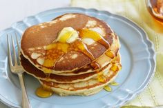 Fast and Easy Pancakes Recipe - Pakistani Cooking Recipes And Continental Food Recipes Egg Free Pancakes, Tasty Pancakes, Fluffy Pancakes, Father's Day Breakfast, Breakfast Recipes, Breakfast Ideas, Yummy Pancake Recipe, Yummy Food, Pancake Recipes