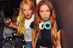 Rebecca & Fiona - Awesome DJs from Sweden