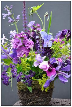 Entirely from the garden, this bouquet is not only a stylish palette, it is intensely fragrant - rich with the scent of Heliotrope, Sweet Peas and Stock. It's color palette may seem simple, but nature designed flowers to be more complex than we think. The color wheel here is broad and deep, and luminosity, transparency and saturation.