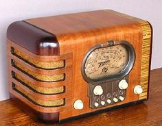 Vintage Zenith Radio - I just won one similar to this on eBay .  Can't wait to build an AM transmitter so I can pipe OTR programs into it from my Ipod.