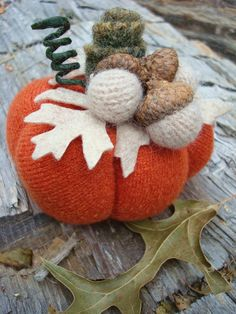 Felt pumpkin and acorns