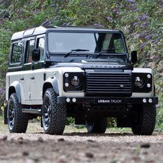 Land rover Defender 110 Custom colour changes to a fantastic standard. Defender 90, Land Rover Defender 110, Carros Off Road, Tt Car, Land Rover Models, Mercedes Benz Unimog, Terrain Vehicle, Hummer, Expedition Vehicle