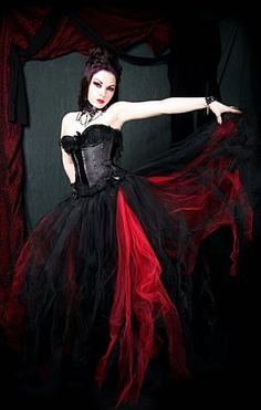 Black and Red Formal Tulle Skirt    http://www.infectiousthreads.com/big_mtc_tutu_formal_red_black.htm