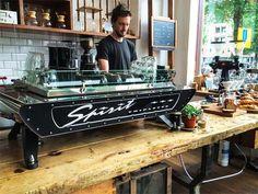 Lot Sixty One Amsterdam: epic coffee bar in West | http://www.yourlittleblackbook.me/lot-sixty-one-amsterdam-coffee/  koffie brew