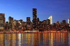 Elige New York como destino para tus vacaciones.   Más información en:   www.unviajeatumedida.blogspot.com  Nos puedes encontrar en las redes sociales.  Google+: https://plus.google.com/u/0/b/112383812410065331194/dashboard/overview  Twitter: https://twitter.com/Atumedidaviaje  Facebook: https://www.facebook.com/viajeamedida