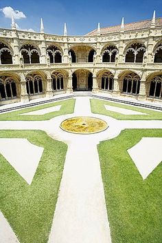 Mosteiro dos Jeronimos (Monastery of the Hieronymites), dating from the 16th century, UNESCO World Heritage Site, Belem, Lisbon, Portugal.