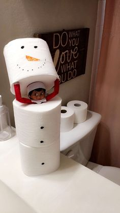 #elf #elfontheshelf #elfontheshelfideas #snowman #bathroom #ideas #funny #christmas