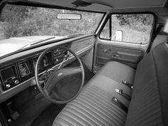 1977 Ford F-100 Custom. Hanging out for the come-back of bench seats! / carinteriors